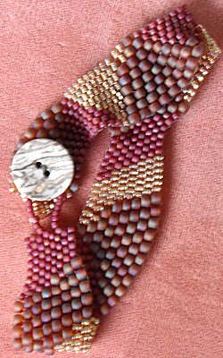Peyote Stitch Projects from Beading Daily: 7 FREE Peyote