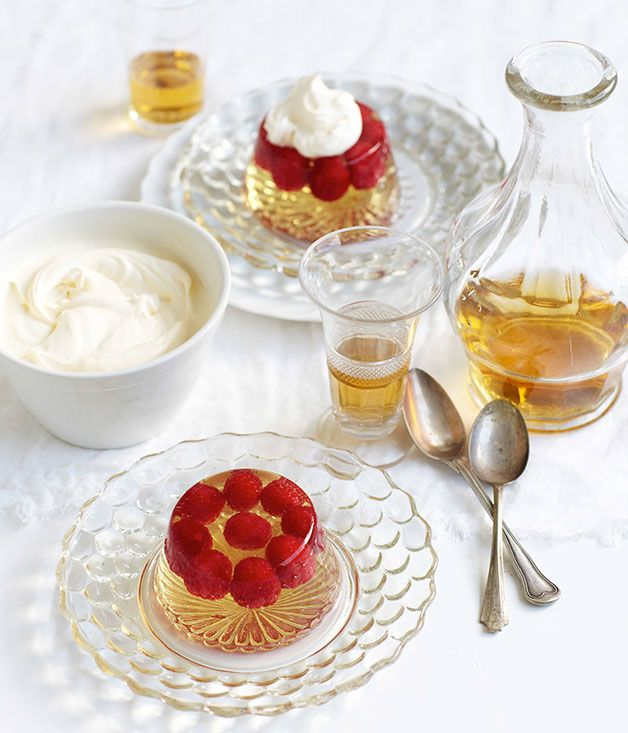 Champagne jelly with raspberries with sweetened mascarpone - quick ...