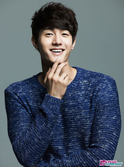 Lee Ki Woo.