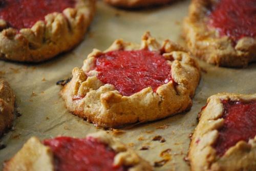 Rustic Rhubarb Tartlets via Relishing It | For my Sweet Tooth | Pinte ...
