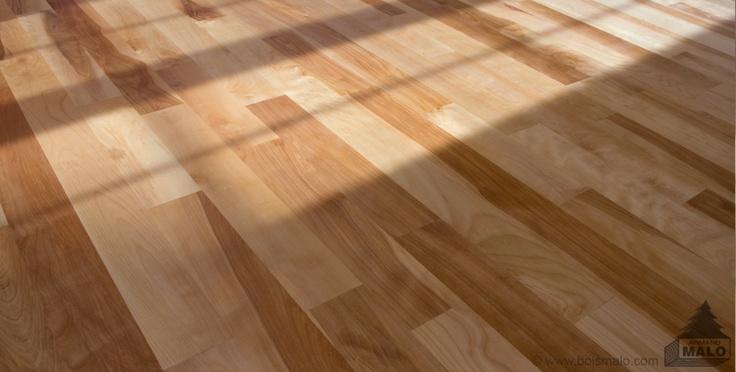 Merisier Bois In English : Plancher de bois en merisier, huil? avec les produits Carver. Armand