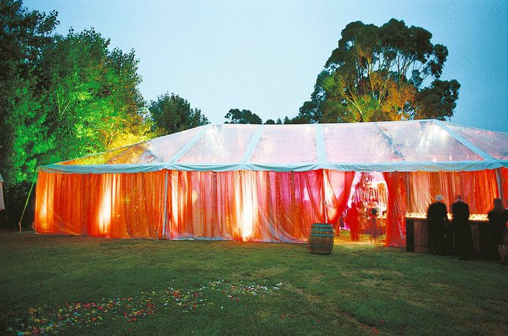 I'm in LOVE with this Tent!!! Colorful & Elegant! Those are the colors i want to use for my wedding <3