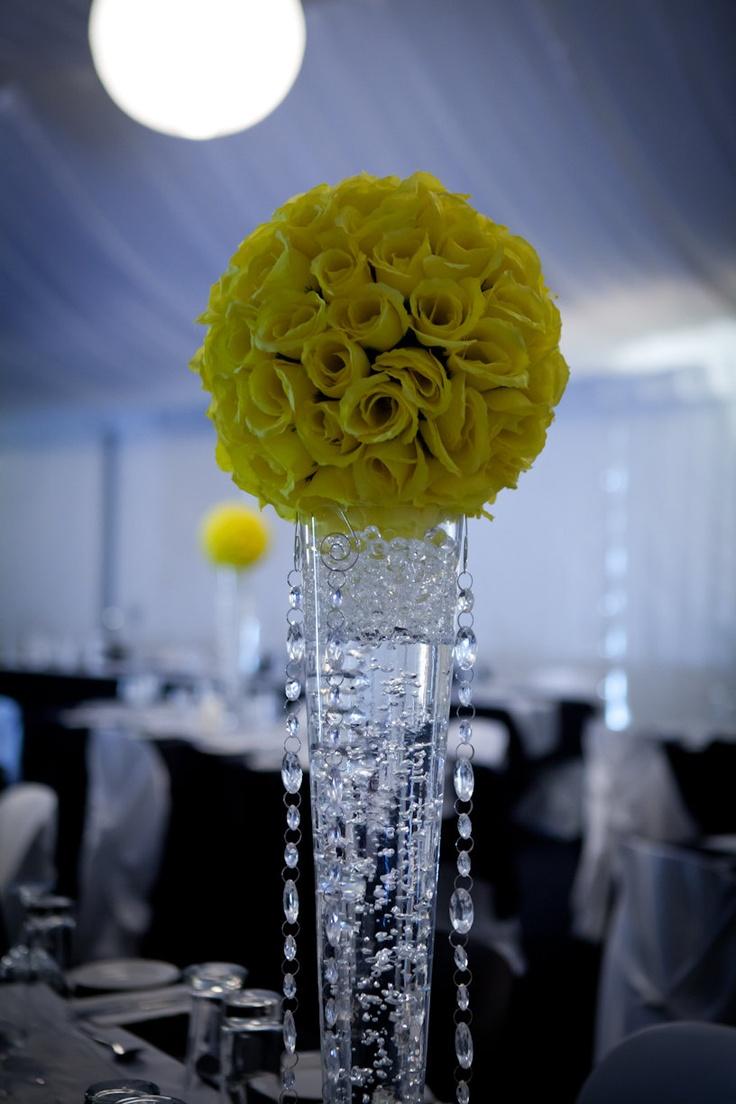 Yellow pomander kissing ball centerpiece bodas