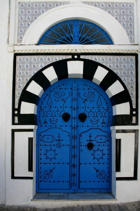 Porte artistique sidi bou said tunis puertas bellas for Decoration porte sidi bou said