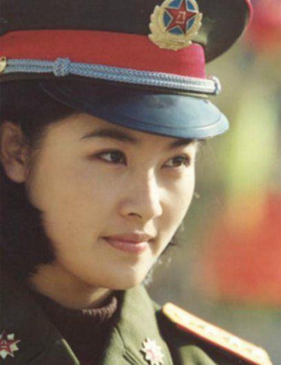 asian military women