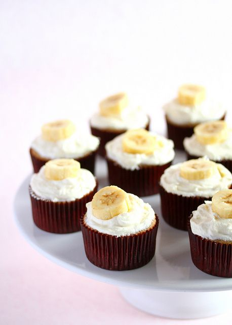 Banana Cupcakes with Honey Cinnamon Frosting recipe adapted from ...