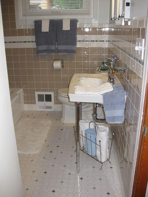 Trina Un Remodels Her 1980s Bathroom Restores Its 1950s
