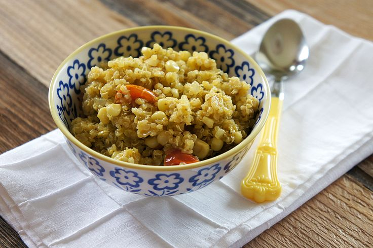 Quinoa with Pesto, Tomatoes, and Corn. Hand chopped the pesto! Great ...