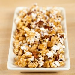 Bacon and Cashew Caramel Corn | Nom Nom Nom | Pinterest