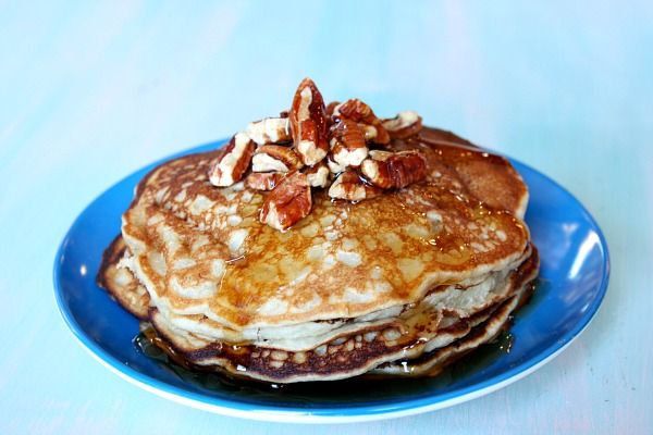 banana- pecan pancakes