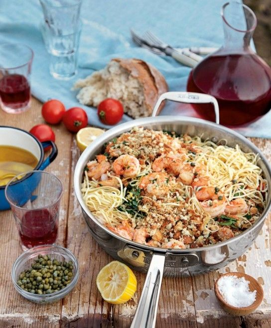 Pasta with shrimp and lemon oil