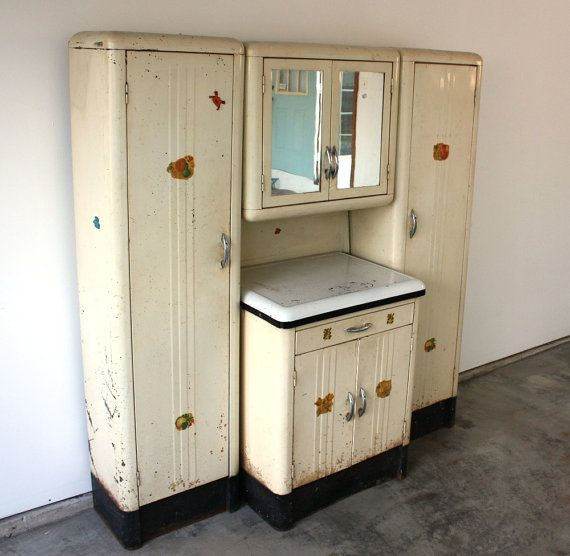 Vintage 1920 39 s steel kitchenette with enamel top storage for 1920 kitchen cabinets