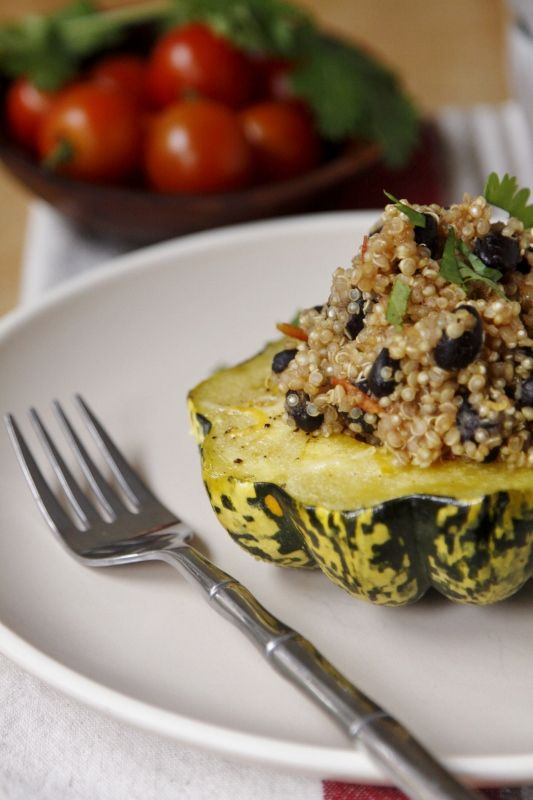 Quinoa Stuffed Squash. This looks incredible, I have the ingredients ...