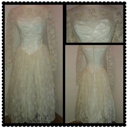 Gorgeous s cream lace wedding dress