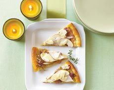 Caramelized Onion, Pear & Brie Flatbread | I made a food board. | Pin ...