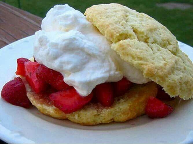 Old Fashioned Strawberry Shortcake | Yummy Delights | Pinterest