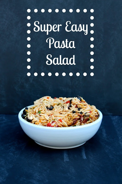 Super Easy Pasta Salad from ohsewcraftylife.blogspot.com #pastasalad # ...