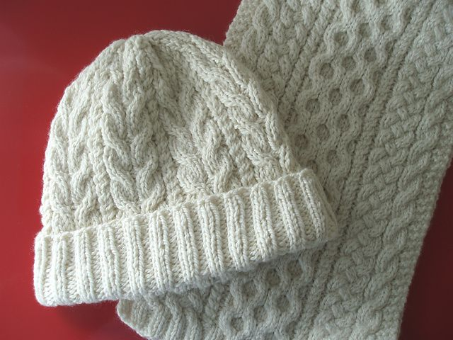 Free Knitting Pattern For Childs Aran Hat : Aran Cable Hat pattern by Chiaki Hayashi