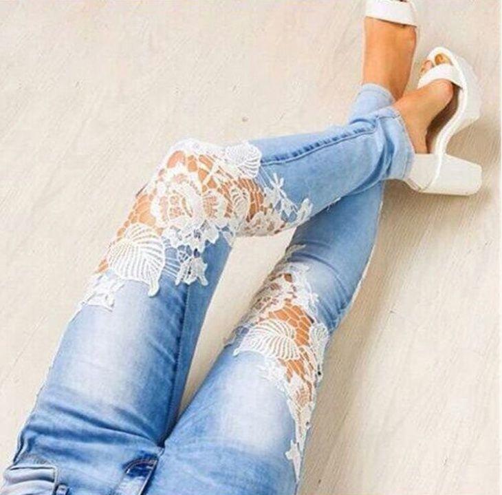 Сделать джинсы с кружевом