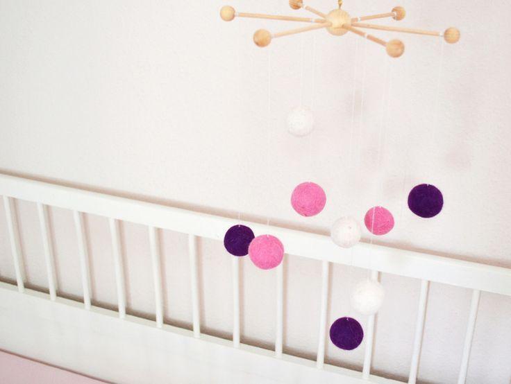 mobile aus filzkugeln. Black Bedroom Furniture Sets. Home Design Ideas
