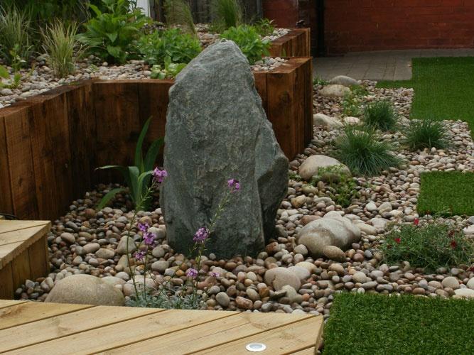 Sunny pebble garden garden pinterest for Pebble garden designs