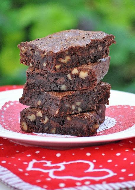 Chocolate Chip Walnut Brownies | Food - dessert | Pinterest