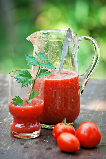 Homemade Tomato Juice - Tomatoes, salt and parsley. Recipe calls for ...