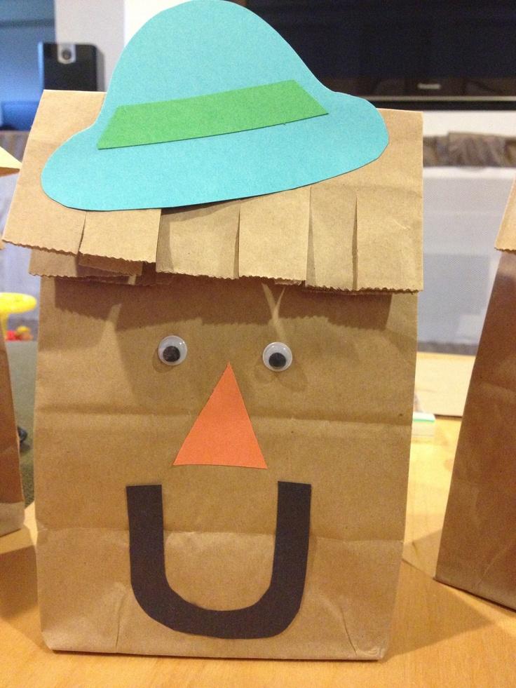 Adorable fall scarecrow craft! So easy!