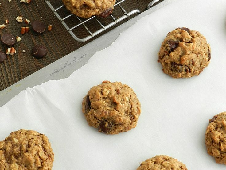These vegan Chocolate Chip Oatmeal Pecan Cookies are soft, delicious ...