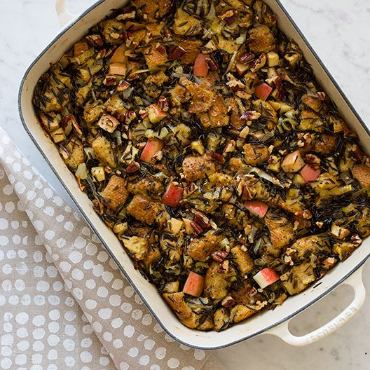 Apple Thyme Wild Rice Stuffing To serve with my chicken....yum.