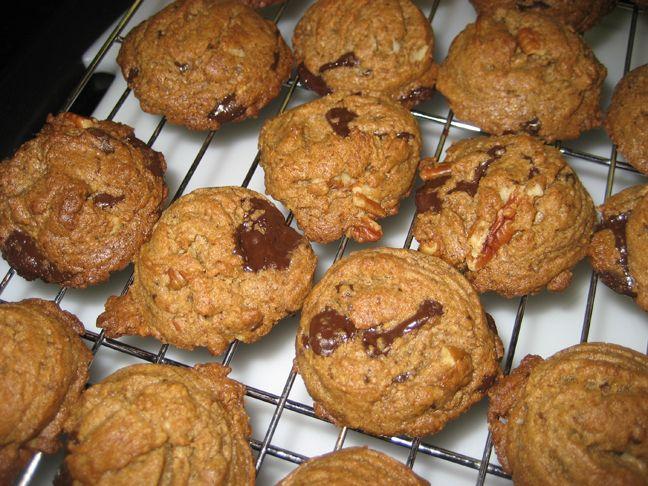 Almond Butter Chocolate Chip Cookies | Guilt-Free Goodies | Pinterest