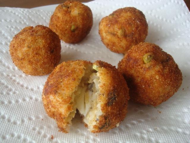 mushroom risotto mozzarella stuffed rice balls