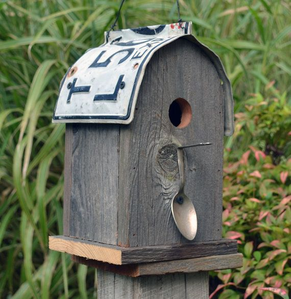 Rustic birdhouse - round roof - recycled license plate