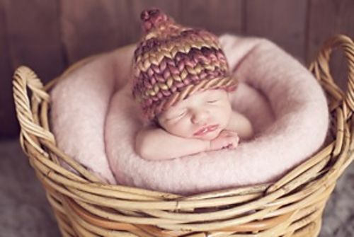 Free Knitting Pattern Chunky Baby Hat : Knitted chunky baby hat simple pattern Knitting & yarn inspiration