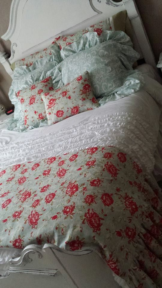 Shabby Chic Bed Pillows : Shabby Chic Bedding Accessories including throw blanket pillow shams