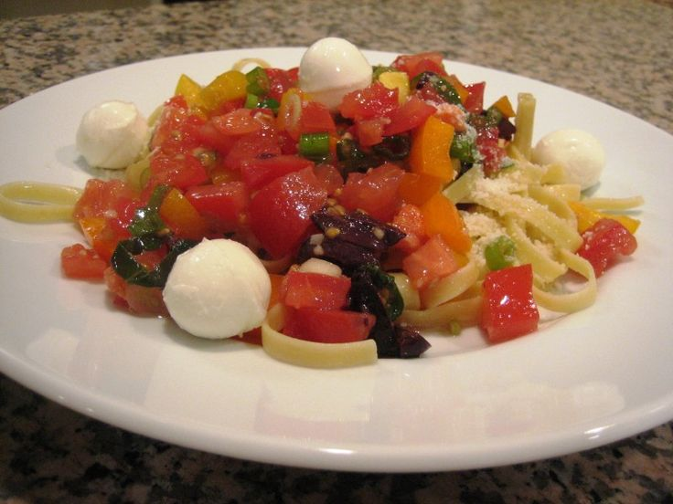 PASTA WITH FRESH TOMATO SAUCE | Healthy Foods | Pinterest