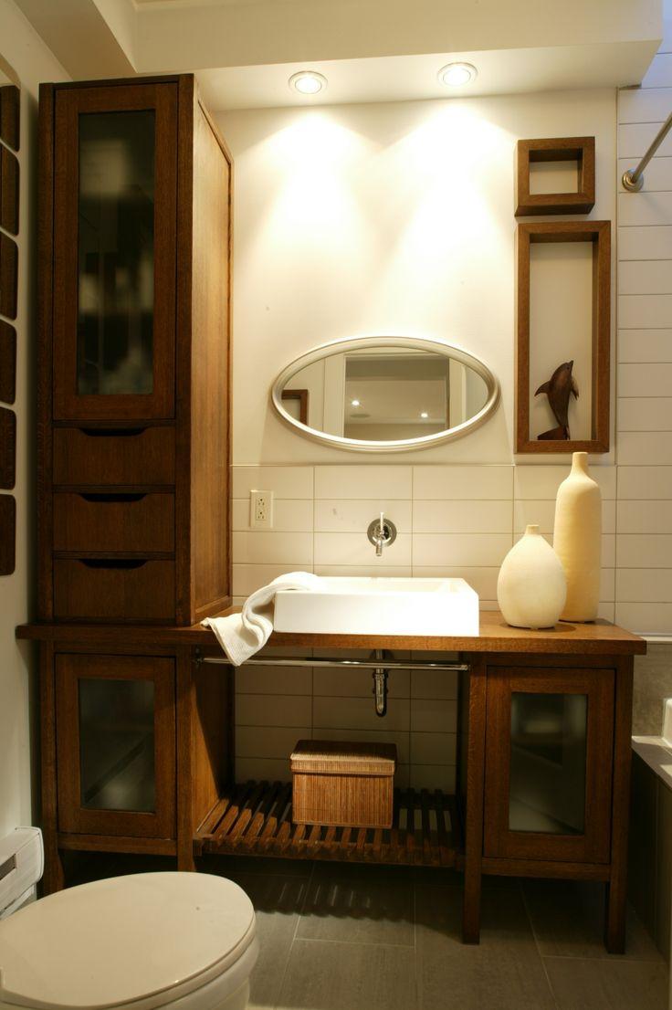 toilette en angle et meuble de bois  Wow Hammam & salles de bain