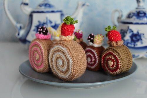 Crochet Patterns For Sweet Roll Yarn : Pin by Robbie McCalmont on Crochet Pinterest