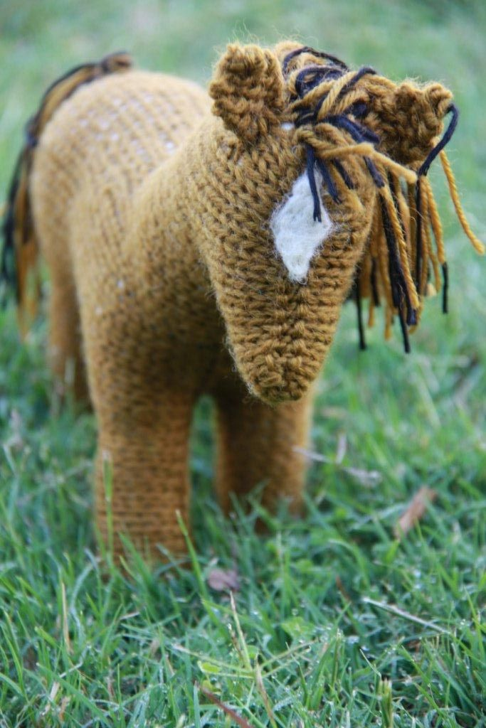 details on a knitted horse Craft Ideas Pinterest