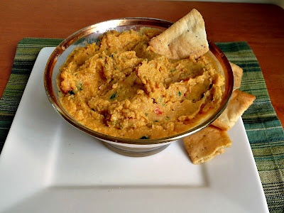 Sun dried tomato and basil hummus | Food | Pinterest