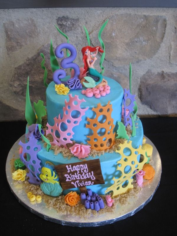Little Mermaid. This cake really captures the feeling of being under the sea with Ariel and her friends.  via http://mrscakes.wordpress.com/