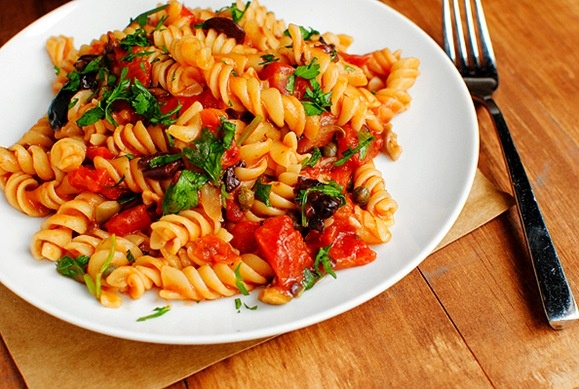 "Pasta Puttanesca..... another pinner said, ""it's an easy pantry meal..."