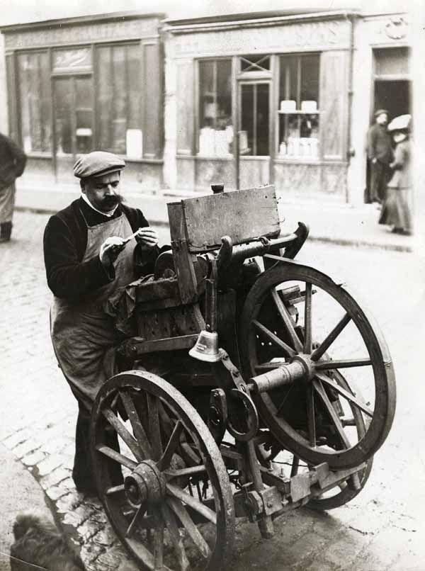 Le Remouleur, Paris, circa 1910 (the knife grinder)