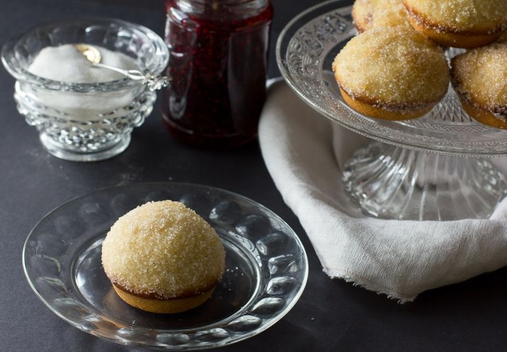 Donut muffins with raspberry jam filling // cake crumbs & beach sand ...