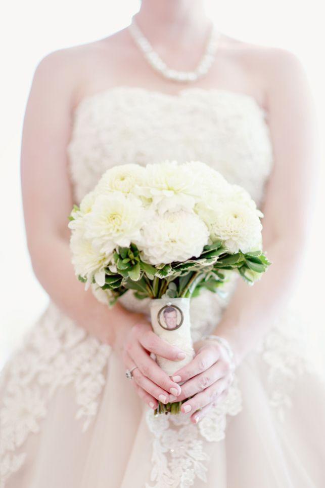 Bridal Bouquet Locket Charm : White bouquet with locket photo charm