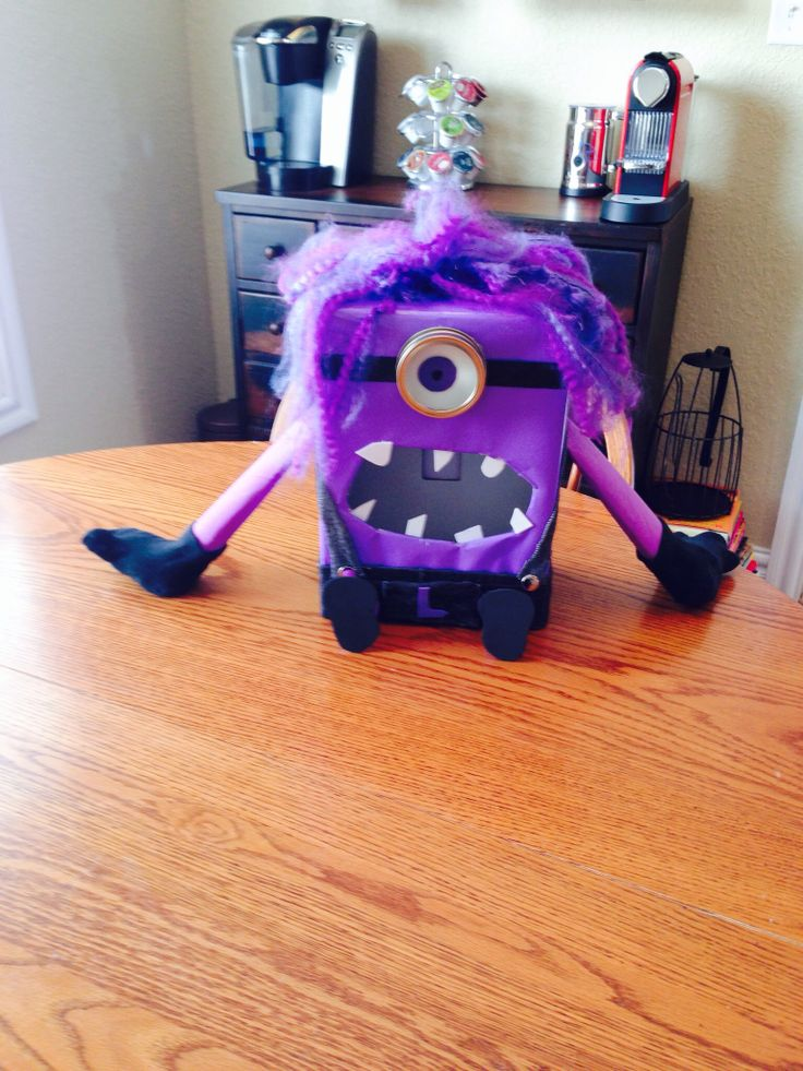 valentines day box minion