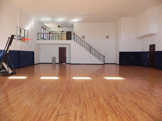 Pin By Roxanne Washington On Indoor Basketball Courts