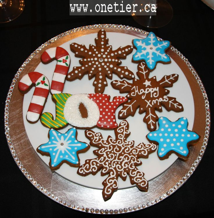 Gingerbread cookies with royal icing | My cookies | Pinterest