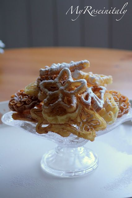 http://www.myroseinitaly.com/2013/09/rosette-cookies-e-giveaway.html