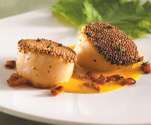 MUSTARD-CRUSTED SCALLOP, CANTALOUPE SAUCE, SMOKED BACON AND SHISO http ...